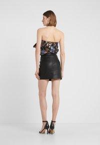 Pinko - LEVIGARE GONNA SIMIL - Mini skirt - black - 2