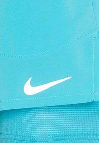 Nike Performance - STRIDE SHORT - Sportovní kraťasy - chlorine blue/silver - 4