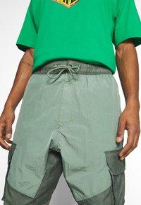Jordan - PANT - Trousers - spiral sage/white - 4