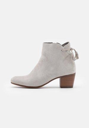 LEATHER - Støvletter - grey