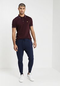 Lyle & Scott - Pantalon de survêtement - navy - 1