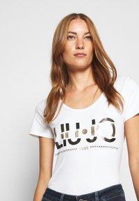 Liu Jo Jeans - MODA - T-shirt print - bianco ottico - 4