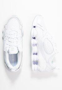 Nike Sportswear - SHOX NOVA - Zapatillas - white - 3
