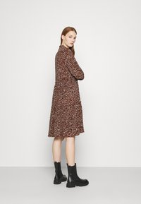 Vero Moda - VMHARPER DRESS - Shirt dress - brown - 2