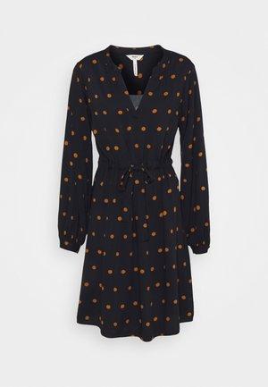 BAYA FANIA  - Day dress - sky captain/dots chipmunk