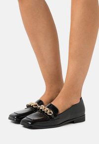 4th & Reckless - WHITNEY - Loafers - black - 0