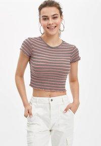 DeFacto - Basic T-shirt - pink - 0