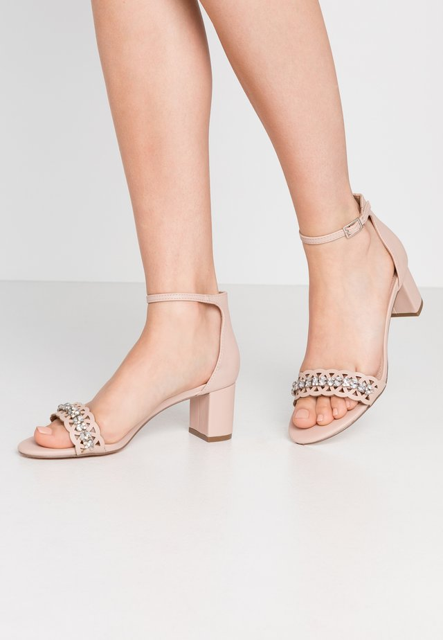 SOLANGE LAZERCUT BLOCK - Sandals - blush