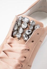 Kennel + Schmenger - UP - Trainers - nude - 2