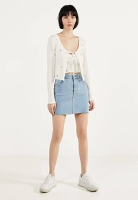 Bershka - MIT STICKEREIEN - Kardigan - white - 1