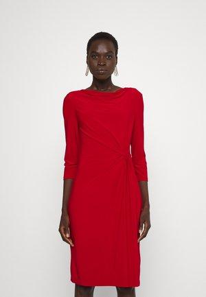 TRAVA SLEEVE DAY DRESS - Jersey dress - lakehouse red