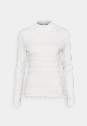 LONGSLEEVE ROUNDNECK WITH HEM RUFFLES - Top sdlouhým rukávem - scandinavian white