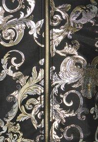 Versace Jeans Couture - BROCCATO LOGO BAROQUE  - Bomber Jacket - black - 6