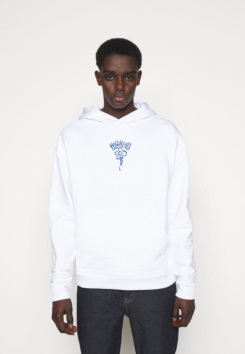 Holzweiler - CLOSER HOODIE - Sweatshirt - white/blue