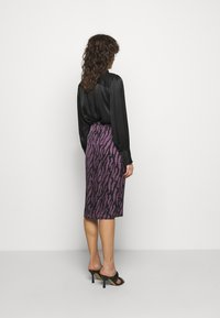 Bruuns Bazaar - TREE VIOLIS SKIRT - A-line skirt - artwork purple - 2