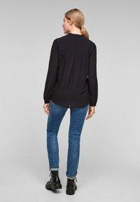 Q/S designed by - MIT TUNIKA-AUSSCHNITT - Long sleeved top - black - 2