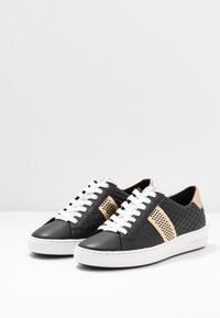 MICHAEL Michael Kors - IRVING STRIPE LACE UP - Trainers - black - 4