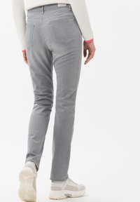 BRAX - STYLE MARY - Jeans Slim Fit - used light grey - 2