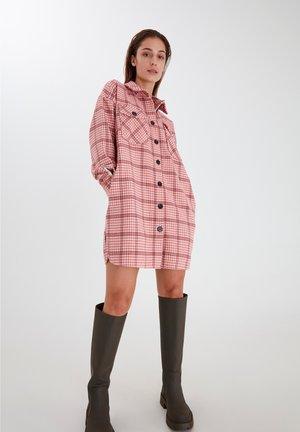 Classic coat - cameo pink