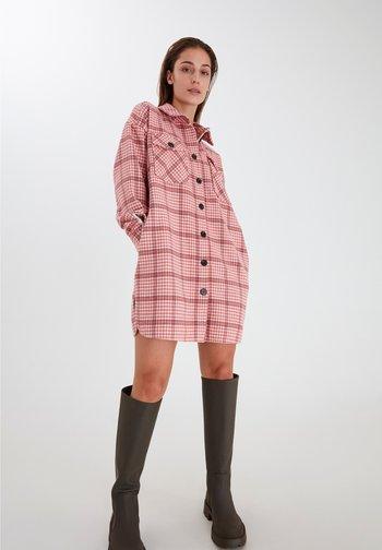 Klassisk frakke - cameo pink