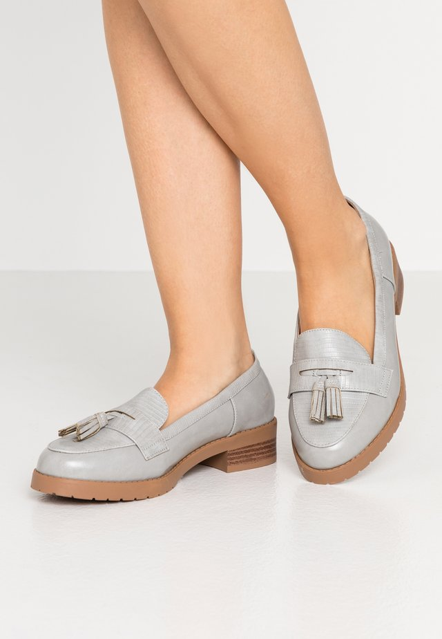 WIDE FIT LITTY PUTASSEL LOAFER - Mocassins - grey