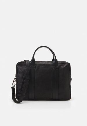HOWARD BRIEF ROOM - Briefcase - black
