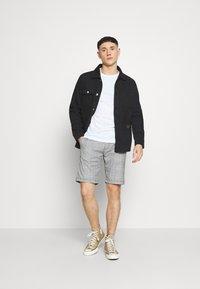 Shine Original - CHECKED - Shorts - grey - 1