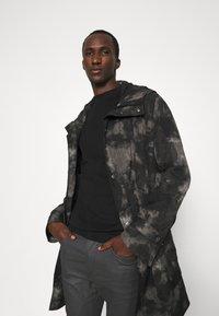 DRYKORN - WEL - Jeans Skinny Fit - grey - 3