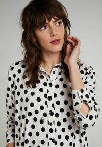 Oui - Button-down blouse - offwhite black - 4