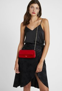 Dune London - BELONG TO - Clutch - red - 1