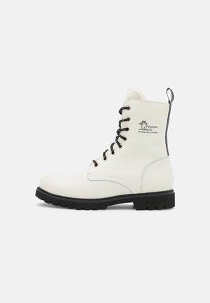 FRISIA  - Stivali da neve  - white