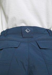 Regatta - CHASKA SHORT - Shorts - dark denim - 6