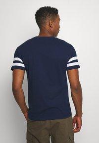 Newport Bay Sailing Club - TEE - T-shirts print - navy - 2