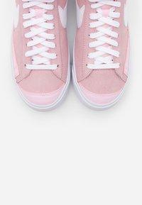 Nike Sportswear - BLAZER 77 - Sneakersy wysokie - pink foam/white - 7