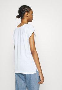 Dedicated - TVISBY MORE - Print T-shirt - white - 2