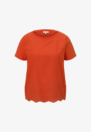 MIT LOCHSTICKEREI - T-shirt imprimé - strong flame orange