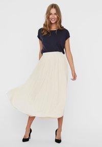 Vero Moda - Pleated skirt - birch - 1