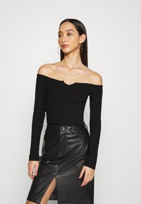 Nly by Nelly - OFF SHOULDER - Long sleeved top - black - 0