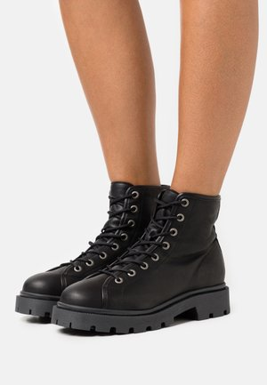 SLFEMMA LACEUP BOOT - Plateaustiefelette - black