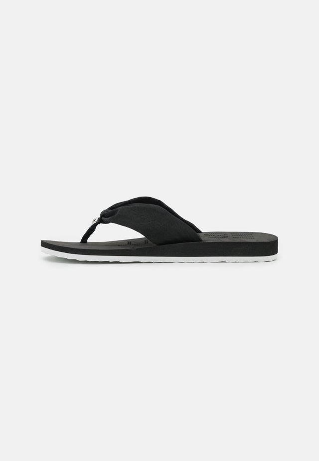 EBBA THONGS - Sandály s odděleným palcem - black