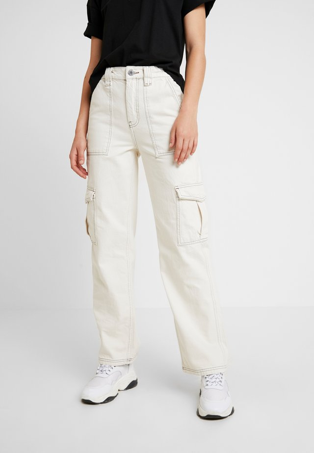 STITCH SKATE - Relaxed fit jeans - ecru