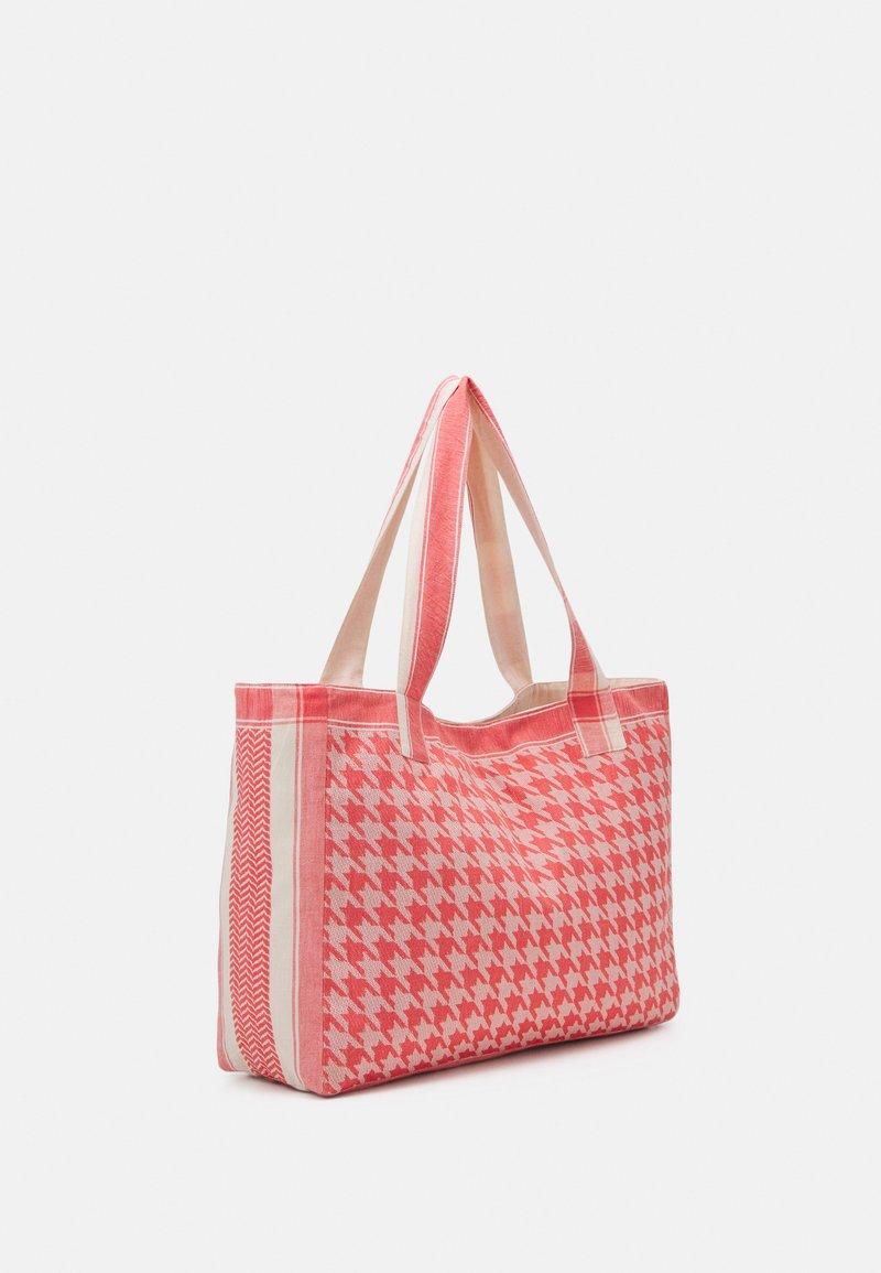CECILIE copenhagen - BAG LARGE DOGTOOTH - Shopping bag - emberglow