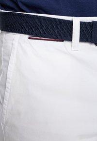 Tommy Hilfiger - BROOKLYN LIGHT BELT - Shorts - white - 3