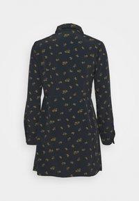 Glamorous Petite - DRESS MINI - Shirt dress - olive - 1