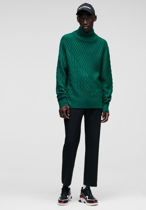 Sportinis megztinis - 655 evergreen