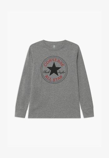 CHUCK PATCH LONG SLEEVE TEE UNISEX - Maglietta a manica lunga - grey