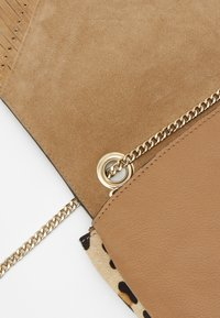 River Island - TASSEL STUD XBODY - Across body bag - beige - 4