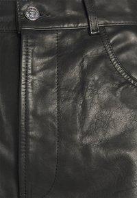 Diesel - P-MACS-SHORT - Shorts - black - 2