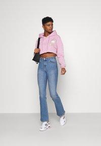 NEW girl ORDER - LOGO CROP HOODY - Sweatshirt - pink - 1