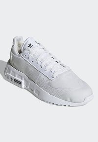 adidas Originals - GEODIVER - Sneakers basse - footwear white/core black - 2